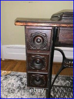 Antique 1910 Singer Treadle Sewing Machine with 7 Drawer Cabinet Model # G4406061