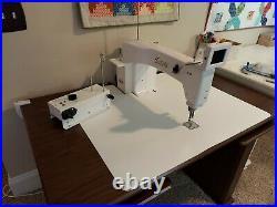 Babylock Tiara 3 Sit Down Long Arm Quilting Machine WithKoala custom woodTable