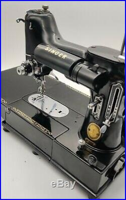 Beautiful 1956 SINGER 222 K FEATHERWEIGHT Sewing Machine US voltage FREE ARM