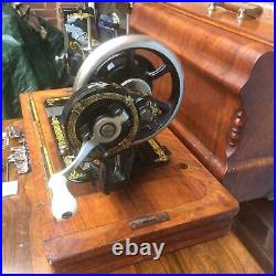 Beautiful Stoewer Vintage/Antique Sewing machine with accessories
