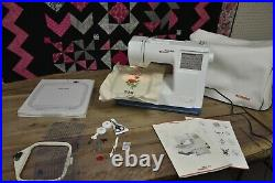 Bernina Deco 330 Embroidery Sewing Machine. EXCELLENT. Comes With GIGA Hoop