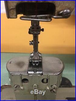 Fpaff Post Bed Duoble Needle Feed 1/4 Gauge 110 Motor Industrial Sewing Machine