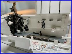 Husqvarna Viking Huskylock 936 serger Sewing Machine