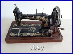 Rare 1911 model Singer 48k Ottoman Hand Crank sewing machine F1526510
