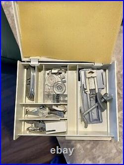 Singer 221 Featherweight Sewing Machine 1940