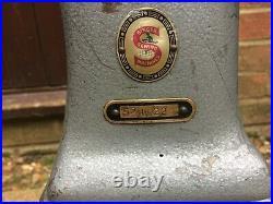 Singer 52W22 Twin Needle Post-bed Industrial Lockstitch Vintage Sewing Machine