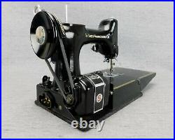 Singer Featherweight 221 Sewing Machine Cat 3-120 withFoot Switch Working New Belt
