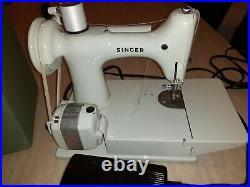 Vintage 1964 Singer 221 K Featherweight Sewing machine