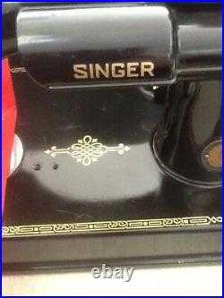 Vintage Clean-Used Singer #221-1 Feather Weight Sewing-Machine WithOrig. Box, NR