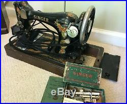 Vintage SINGER Sewing Machine from 1925. Bentwood Case Included