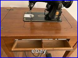 Vintage SINGER Sewing Machine with Table Stand, Accessories. Early 1900s