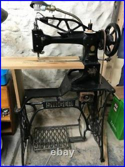 Vintage sewing machine singer 29K71