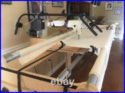 Voyager 17 longarm quilting machine