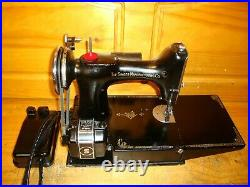 Wwii Singer Sewing Machine Model 221 Featherweight, Serviced